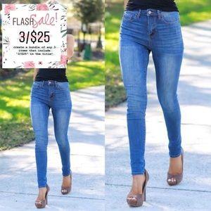 3/$25 Medium Wash Rockstar Super Skinny Jean 0 W24